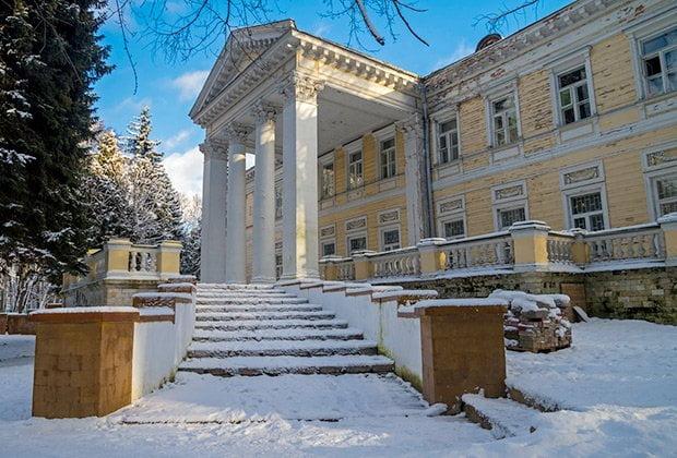 С 3 по 8 января Санаторий «Узкое» впервые проведет дни открытых ворот. Парк санатория будет открыт для свободного посещения с 11:00 до 18:00.